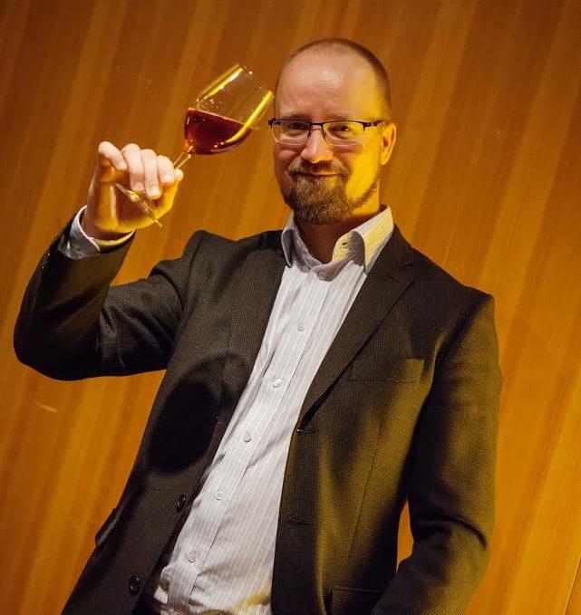 Olutkouluttaja Mikko Salmi