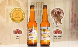 Kuvassa olutpulloja