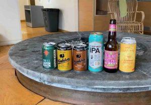 Kuvassa alkoholittomia oluita