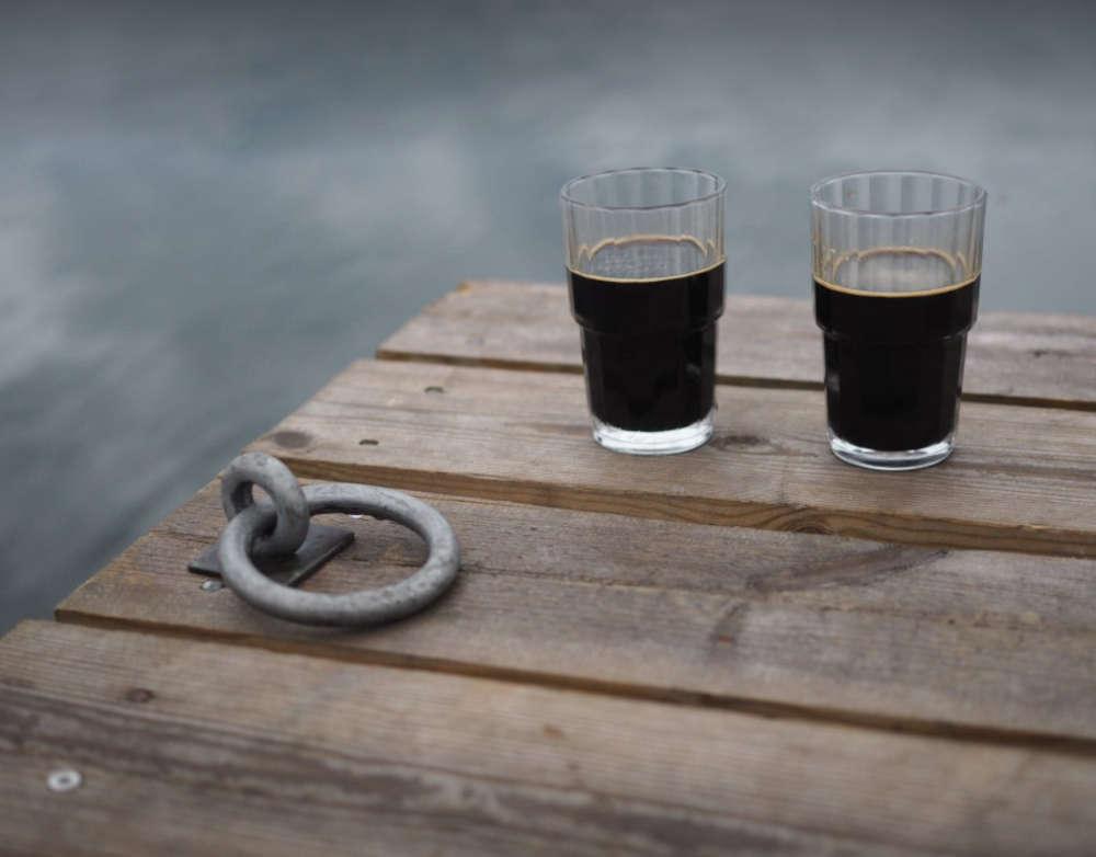 olutta laiturilla