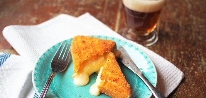 Pähkinäleivitetty Brie -juusto