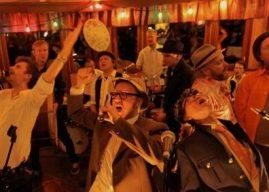 Bad Ass Brass Band: Oluen musiikilliset sanansaattajat